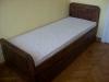 Ąžuolinė lova su stalčiumi ,,Senoviška
